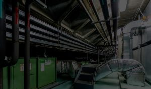 Canalizaciones de climatización en interior de empresa