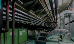 Canalizaciones de climatización en interior de hospital