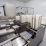 Sala blanca y máquina clasificadora de Granjas Rodríguez 02